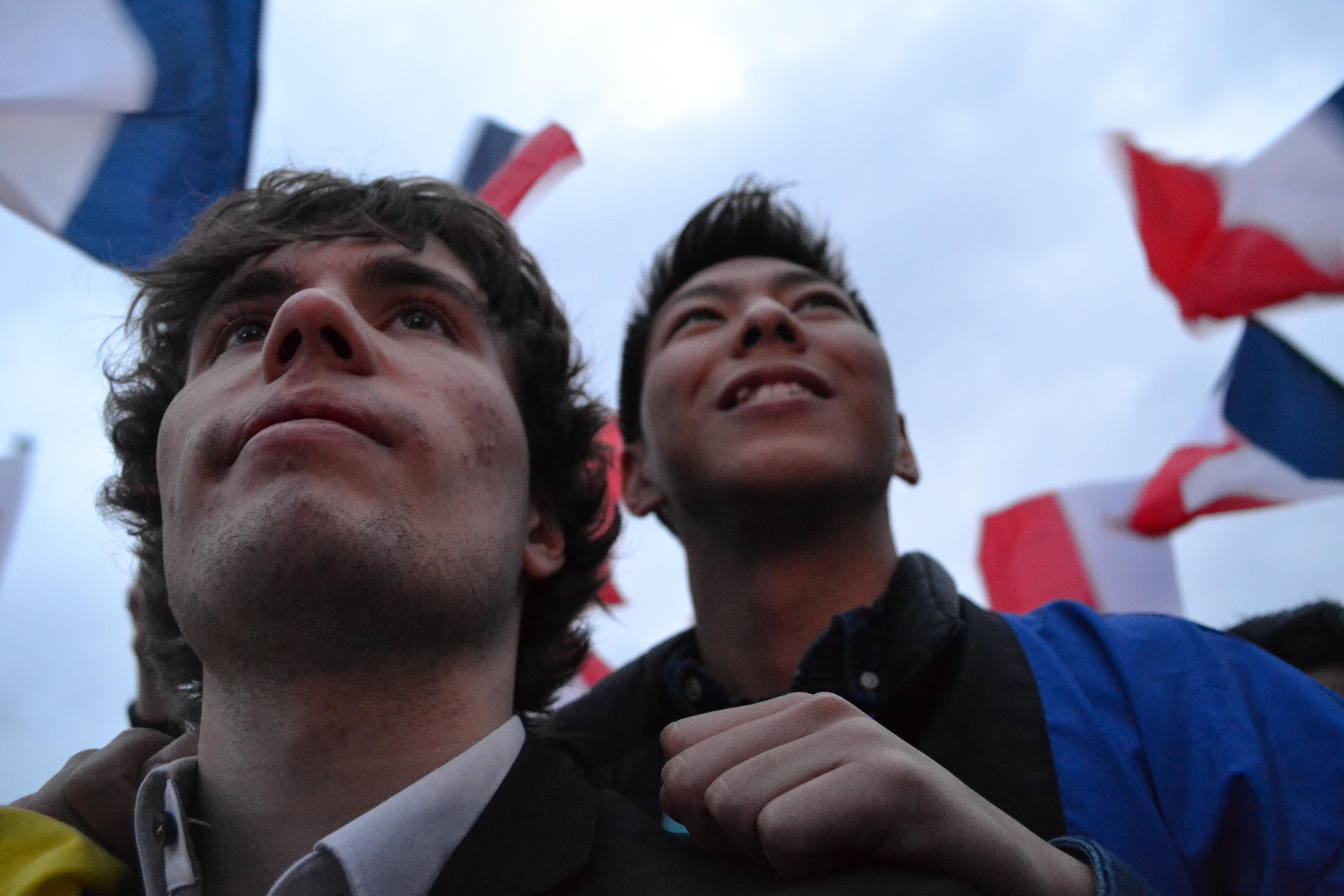 DSC 0849 3 - 政治とエンターテインメントとフランス人100人とマクロンとルペンと。