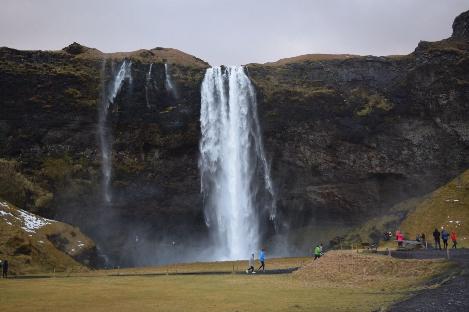 IMG 1826 - メッシを止めたGKは、元「クリエイター&#x2049;︎」<br>少数精鋭・「ダークホース」アイスランドサッカーのユニークな実態とは?